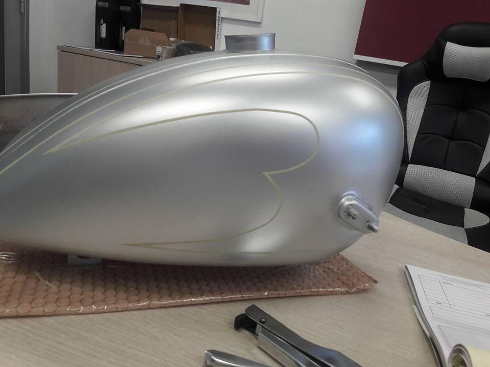 03-custom-moto.jpg